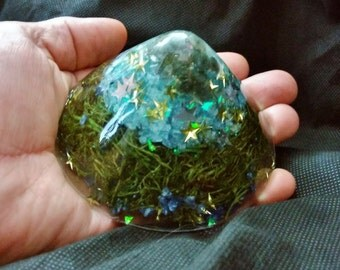 Labradorite and Selenite Piezoelectric Generator Cone with Reindeer Moss and Blue Chipped Glass