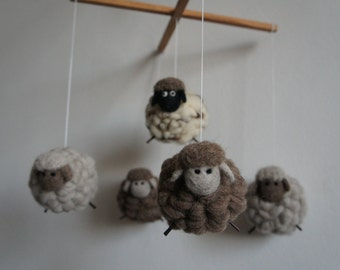 Mobile 5 100% sheep's wool sheep