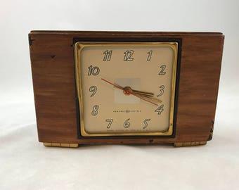 Vintage GE Clock, General Electric Wood Mantle Clock Model 3H176, Mid Century Clock, Mantle Clock, Vintage Wood Veneer Clock, Keeps Time!