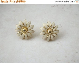 ON SALE Vintage 1950s Enameled Gold Tone Flower Earrings 32017