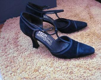 Salvatore Ferragamo/ Womans Pumps/ Black/Suede/leather