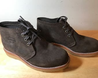 Chippewa Brown Suede boots . US 8E  UK 7.5  eur41.5.  Handcrafted in USA. Original .Lightly used in very good condition.