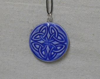 Round Celtic Knot Four Leaf Clover, Luck Amulet, Talisman Pendant - Sapphire Blue