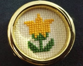 Counted cross stitch magnet tulip