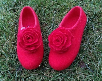 Red felted wool women slippers size US 8 handmade house shoes,  felting clogs with latex sole. valentine's day gifts, with beautiful roses