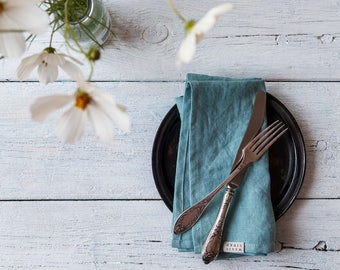 Aquamarine blue linen napkins. Set of 4,6,8 linen cloth napkins. Stone washed table napkins. Softened linen napkins. Handmade napkins.