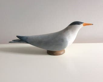 Carved wooden sea bird. Tern.