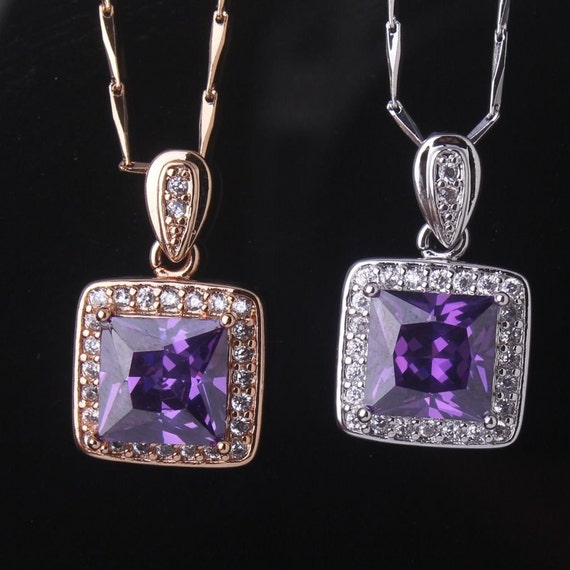 Lovely 18ct white gold plated amethyst crystal pendant necklace