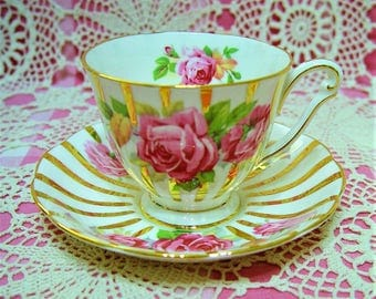Beautiful Vintage QUEEN ANNE ROSE Cup & Saucer.