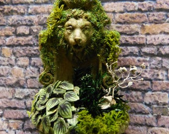 Fountain wall Miniature with green plants - 1/12 scale - accessory of Decoration for House of doll Miniature