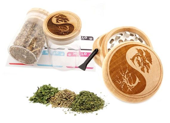 Yin Yang Tree Engraved Premium Natural Wooden Grinder & Wood Lid Glass Jar Gift Set # GS103116-29