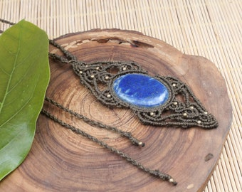 Macrame necklace with Lapis Lazuli