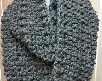 Gray Scarf, Wide Scarf, Crochet Scarf, Chunky Scarf, Infinity Scarf, Crocheted Scarf, Gray Winter Scarf, Gifts for Her, Circle Scarf