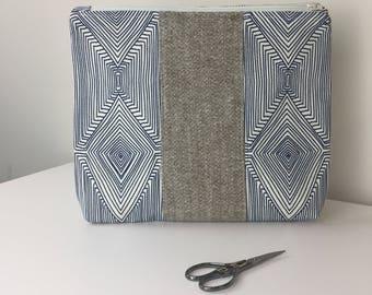 Blue Cosmetic Bag, Blue clutch, cute Makeup Bag, simple chic, Toiletry Bag, cute makeup bag, gift for her, vegan bag