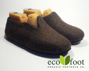 Wool slippers house for men Slippers large size no slip handmade Gift to the father Organic woolen clogs to buy wool felt slippers