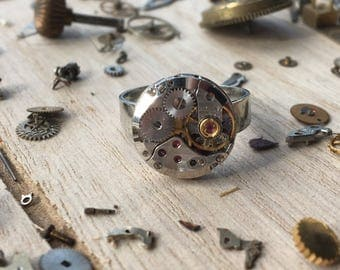Watch movement ring -metal round- adjustable - nickel free - steampunk jewelry - made by: Handmade by Charlie