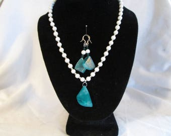Fancy Truquoise Crystal Agate Pendant Necklace w/Howlite and Silver Beads - Comes with Matching Earrings