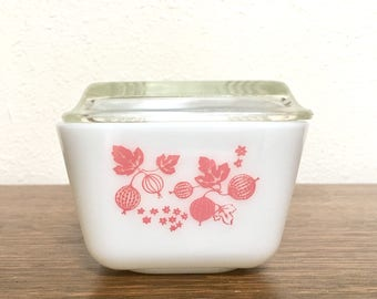 Vintage Pyrex Pink Gooseberry Refrigerator Dish with Lid #501 1 1/2 Pint 1.5
