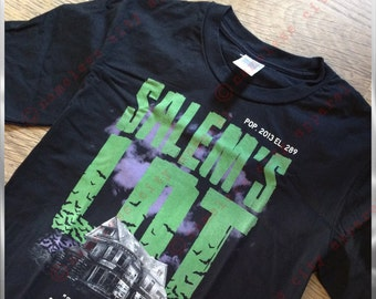 Salems Lot-Stephen King viene a vestir de la ciudad sin nombre. Basado en el libro y la pelicula esta impresionante camiseta sabe oscuridad. Y la oscuridad es suficiente.