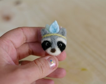 """Totem"" spirit raccoon brooch / pin ""Totem"" spirit raccoon"