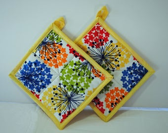 Quilted Handmade Potholders, Bright Spring Fabric Potholders, Hostess Gift, Housewarming Gift, Wedding gift