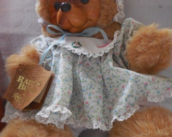 Susie Raikes Bear - includes original box and certificate of authenticity - limited edition 1988