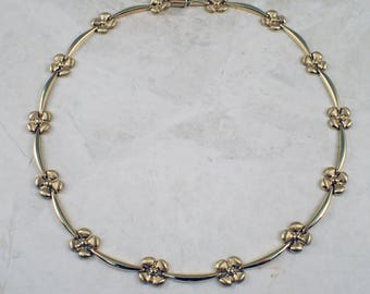 14k Yellow Gold Flower Necklace