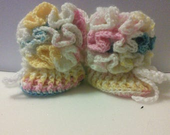 Ruffled 0-6 month baby boots