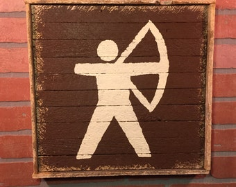 Archery, Bow Hunting, Bow Hunter, Archery Trail Marker, Trail Marker, Rustic Archery wall decor, Cabin decor, wall decor