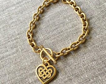 Gold Celtic Heart Knot charm bracelet / Celtic knot bracelet / Antique gold plated Celtic heart bracelet