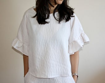 Lila Blouse- Oversized blouse with ruffled sleeves and boxy shape (White, Black, Navy and Pink)