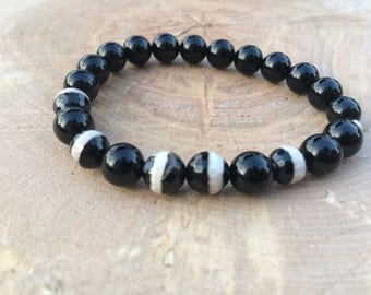 Bracelet black and champagne with semiprecious stone of onyx and agate line.