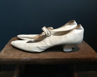 1920s Ivory Leather Wedding Shoes