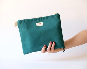 CLUTCH  Minimalist, Zipper Cotton Pouch, Cosmetic Bag in Green Handmade