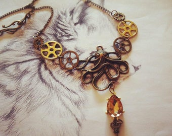 "Necklace ""Kraken is coming"" style steampunk"