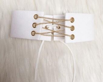 White Suede Gold Chain Choker 'KASEN'