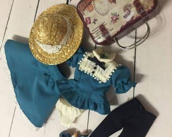 Stock Blythe Outfits - Very Vicky