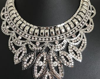 Beautuful large sikver statement necklace
