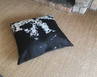 Floor cushion in cow hide