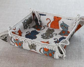 Linen bread basket Funny cats