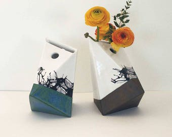 "Vase ""Suzanne"" pattern"