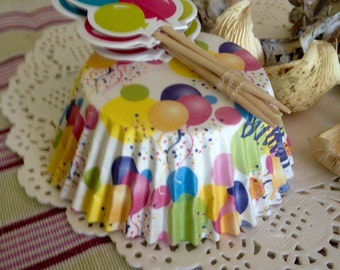 12 paper cups 11 cm with 12 top cake balloons