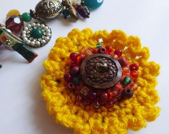 sunflower brooch, yellow brooch,  crochet sunflower, gift for her, hat decoration, boho flower pin , yellow flower brooch, sunflower pin,