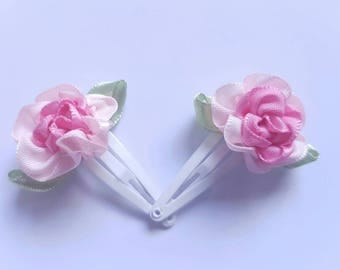 A Set of 2 Girls Flower Hair Clips Snap Clips Light and Dark Pink