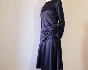 1980s black asymmetrical drop waist ruched midi dress. Size 8/10