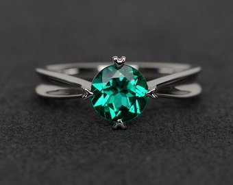 emerald ring round cut silver ring solitaire ring green gemstone ring anniversary gift May birthstone ring