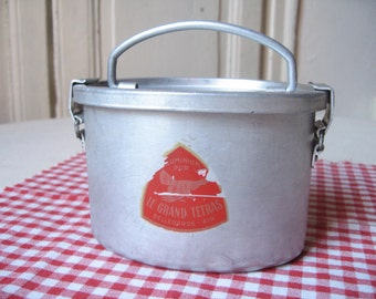 "Old box at ""Le Grand Tétras"" meal / Lunch box vintage / aluminium box / box retro picnic / lunch box / french Vintage"