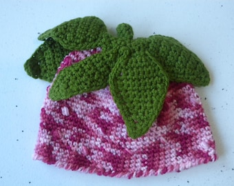 Strawberry Beanie with green leaves 1-2 year old