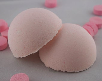 The pink peppermint (the Woods) bath bomb