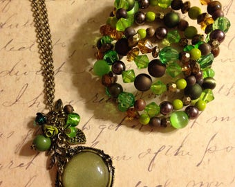 Earthy necklace and memory wire bracelet set